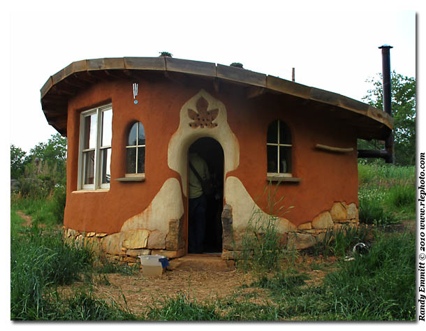 Cob houses - The cob house the beauty of simplicity ...